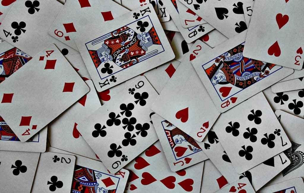 Jeux de cartes pour s'occuper pendant les soirées d'hiver