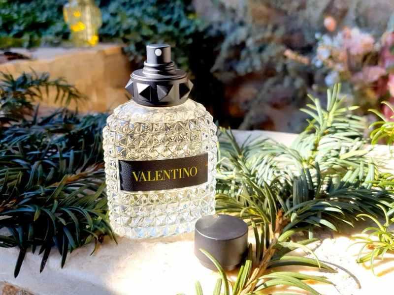 test Valentino Born in Roma Yellow Dream