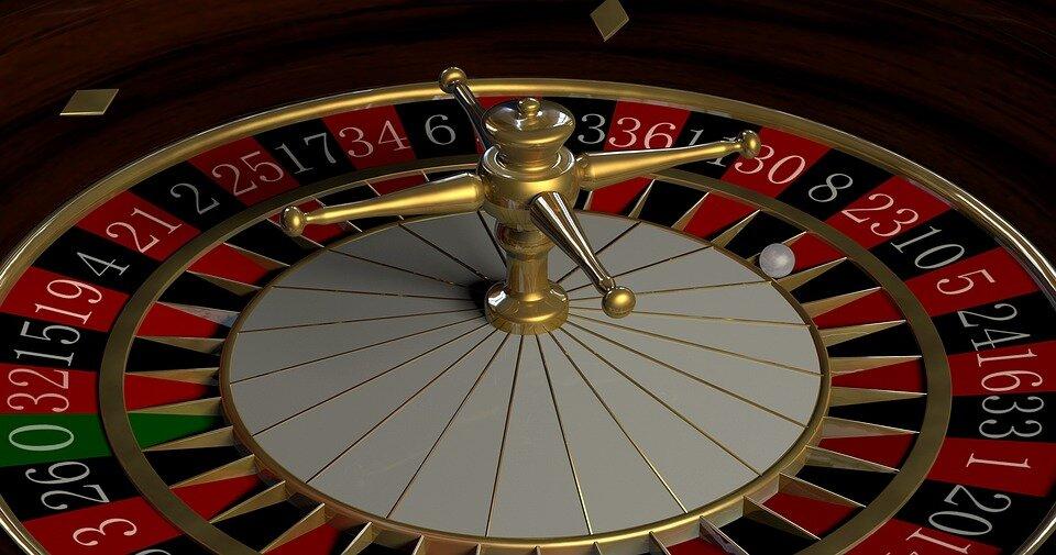 Jeux de hasard : la chance est-elle vraiment si importante ou s'agit-il seulement d'un calcul précis ?