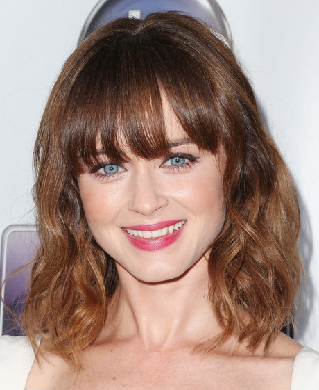 30 Fringe Hairstyles For Medium Length Hair Hairstyles Ideas