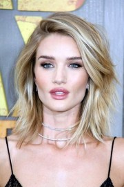 hairstyles collarbone length