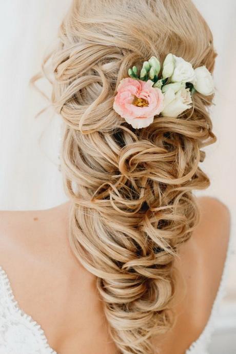 Bridal upstyles for long hair