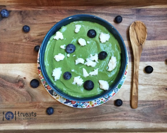 green superfood smoothie bowl (keto + dairy-free)