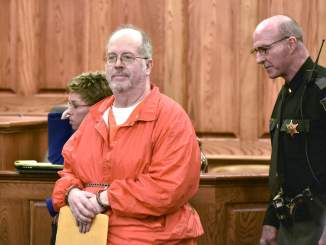 Inmates kill serial paedophile in prison yard