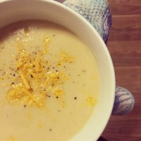 Vegan Cheezy Roasted Cauliflower Soup