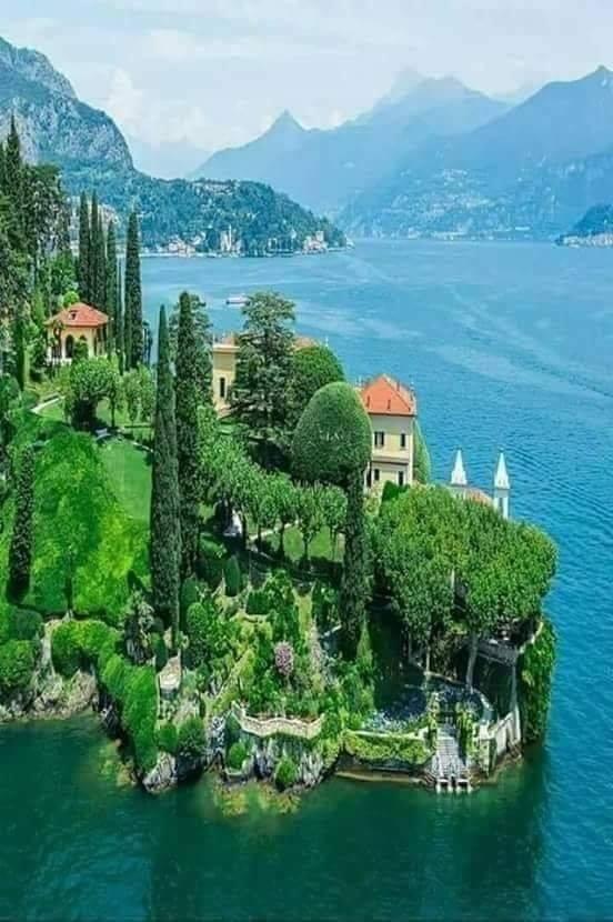 Lake Como, Italy :o