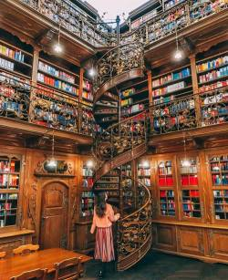 A room without book  is a like a body without a soul.