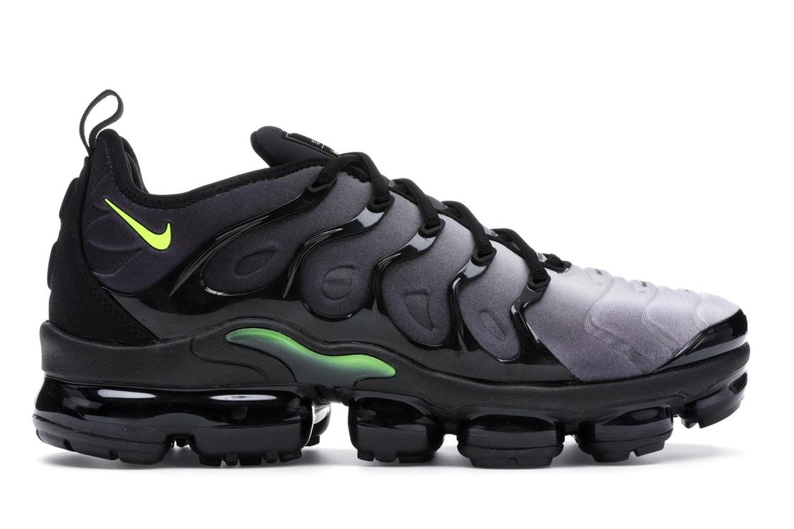 5b0a065b09a Nike Air VaporMax Plus Black Volt