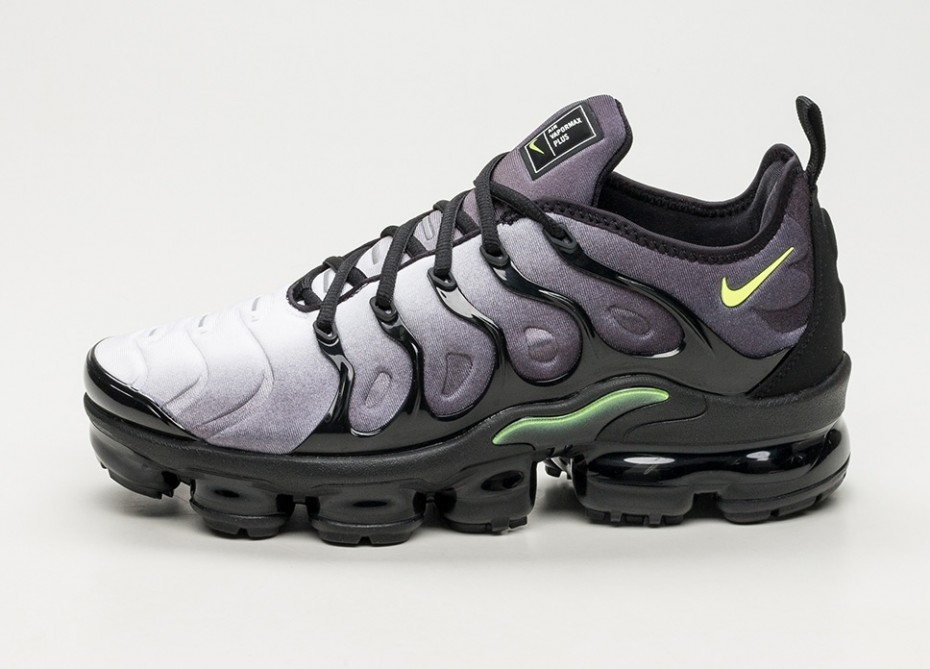 timeless design a9be5 ac375 Nike Air VaporMax Plus Black Volt | 924453-009