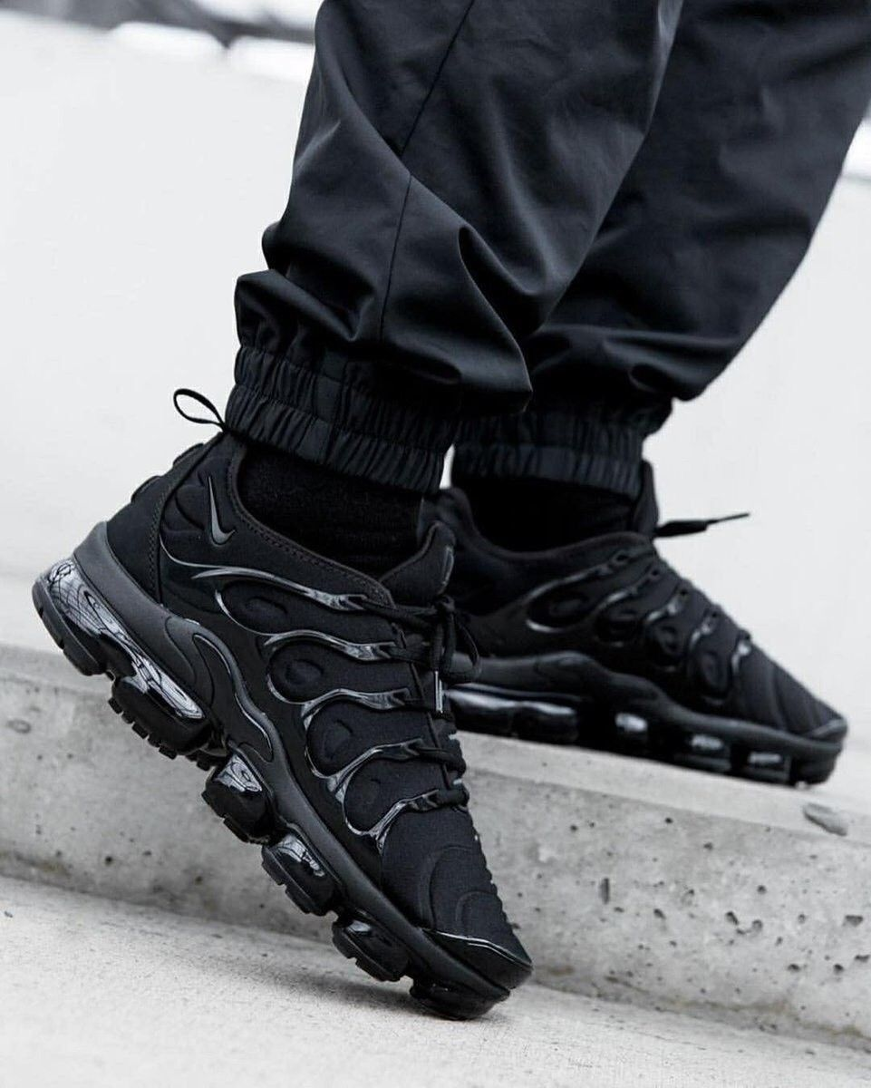 the best attitude e4781 58f7b Nike Air VaporMax Plus All Black 924453-004