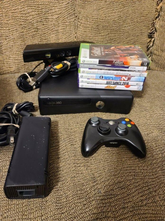 Microsoft Xbox 360 S 4GB Black Console Bundle w/ Kinect