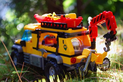 Rear of LEGO jungle exploration truck