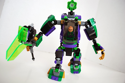 Front view of Lex Luthor's mech.
