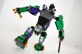 Rear view of Lex Luthor's mech.