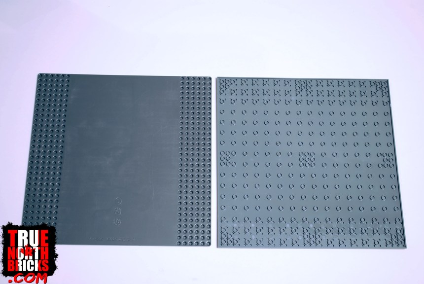 Under side of LEGO baseplate (left) compared to Block Tech (right).