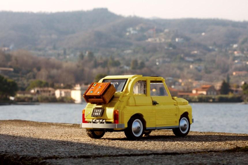 Fiat 500 (10271) rear view.
