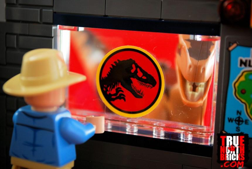 Jurassic Park logo in Velociraptor Chase.