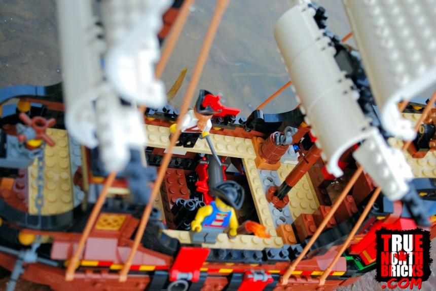 Pirate Ship (31109) deck.