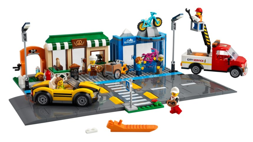 More January 2021 sets from LEGO: Shopping Street.