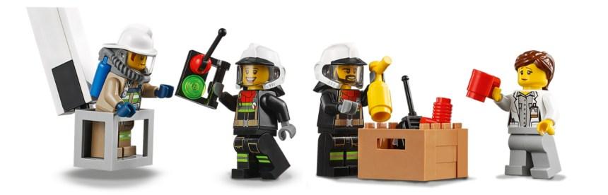 January 2021 City sets: Fire Command Unit minfigs