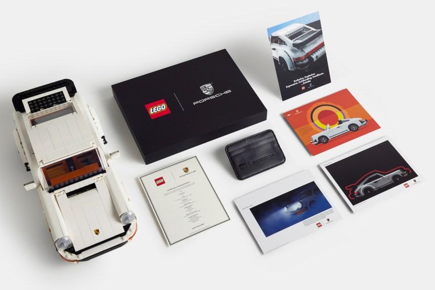 Porsche 911 Turbo and 911 Targa owner's pack.