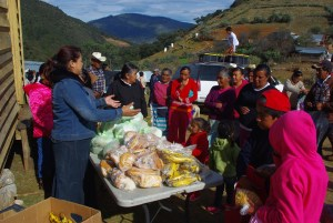Sandra who runs Nuevo Corozon, gave away food.