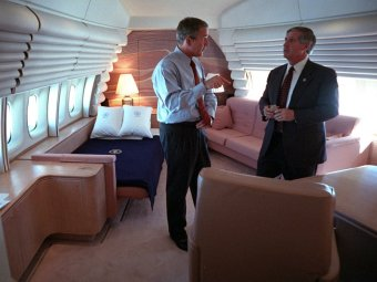 president-bush-confers-with-white-house-chief-of-staff-andy-card-in-the-presidents-stateroom