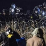 """It Feels Like A Warzone"": 400 North Dakota Pipeline Protesters Clash With Police; 167 Injured"