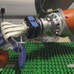 Grocer Debuts 'Fruit-Picking Robot'