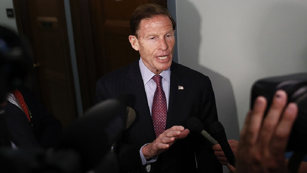 Trump calls for investigation into Richard Blumenthal for lying about Vietnam service