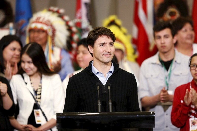 Trudeau Forced To Apologize For Complimenting Native Senator. Still, Activists Demand More