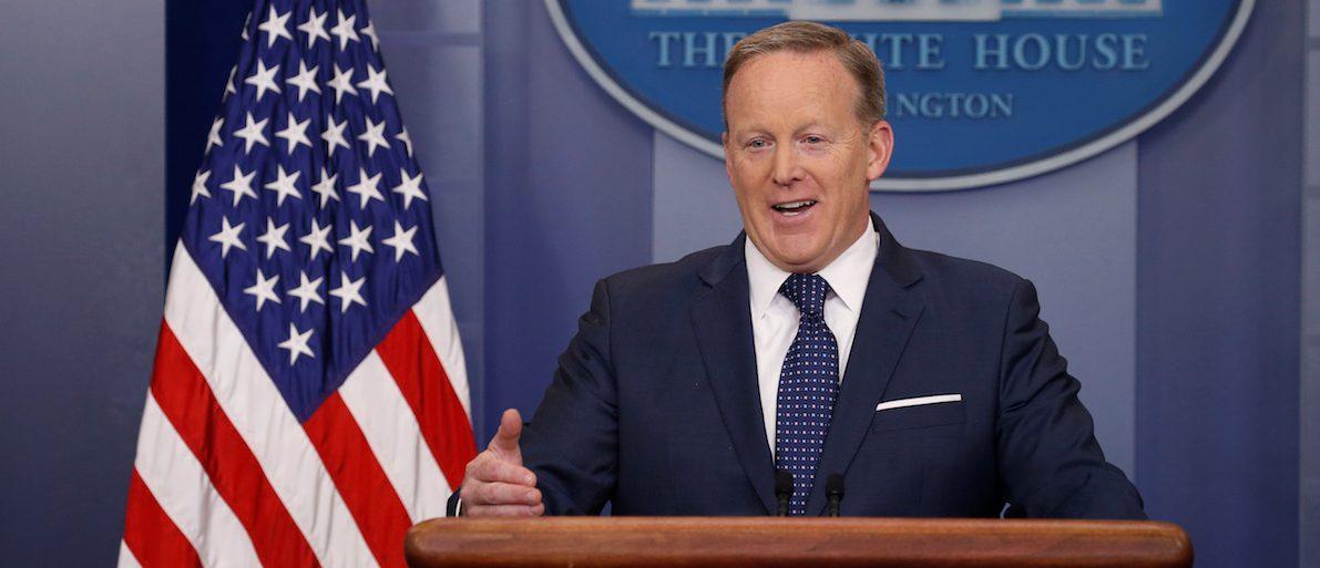 Fake Sean Spicer Twitter Account Sends Journalists, Democrats On Run Around