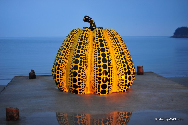 Naoshima Pumpkin Photo by Shibuya246