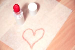 love-heart-makeup-beauty-medium