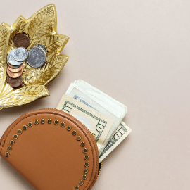 How to make more money is a common financial question. These personal finance tips will help you make money. Ask for a raise, learn how to live the frugal life, and more. #frugalliving #personalfinance #earnmoremoney #makemoney #moneytips #howtomakemore #raise