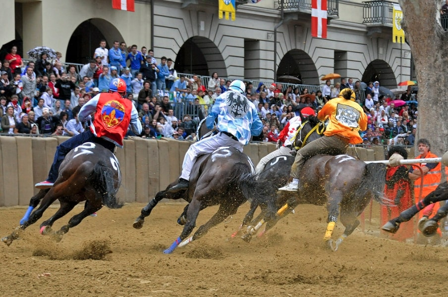 palio-di-asti,-historical-horse-race-in-september