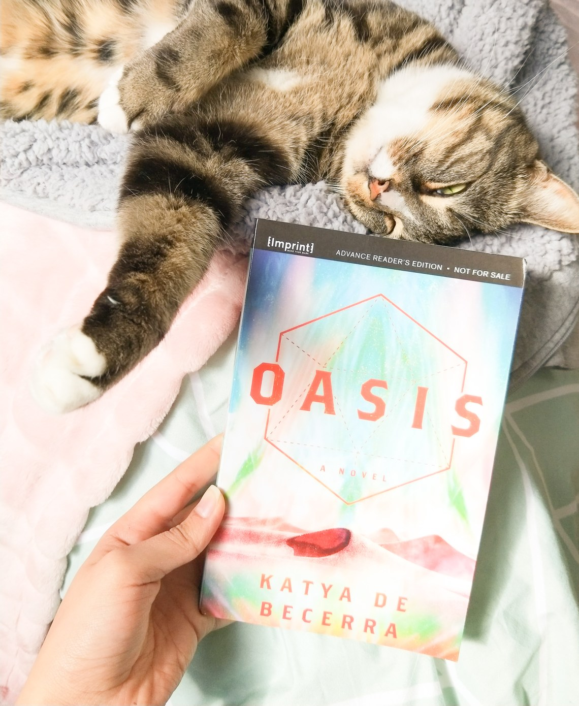 67892665 350898332486966 2013886349500743680 n - Author Interview: Oasis' Katya De Becerra