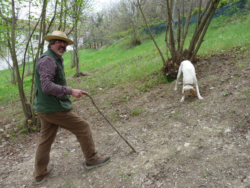 Giorgio and his truffle hunting dog