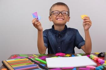 boy-is-engaged-creativity-table-draws