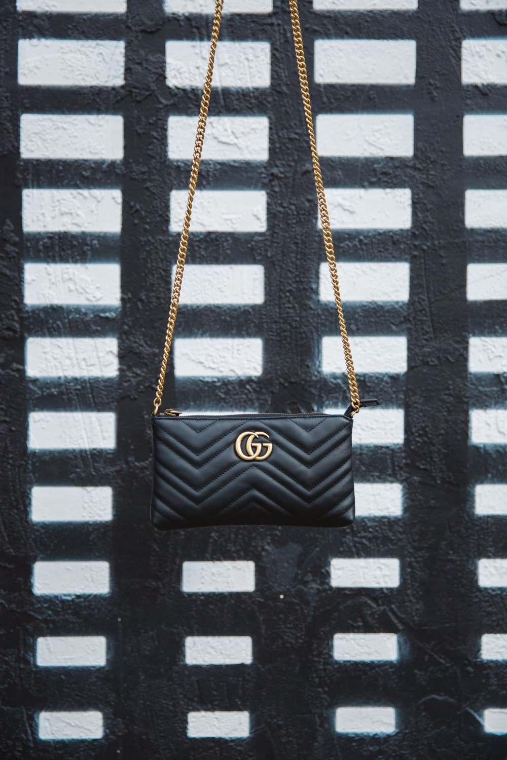 The perfect black GG cross body purse is the best accessory for all your outfits!
