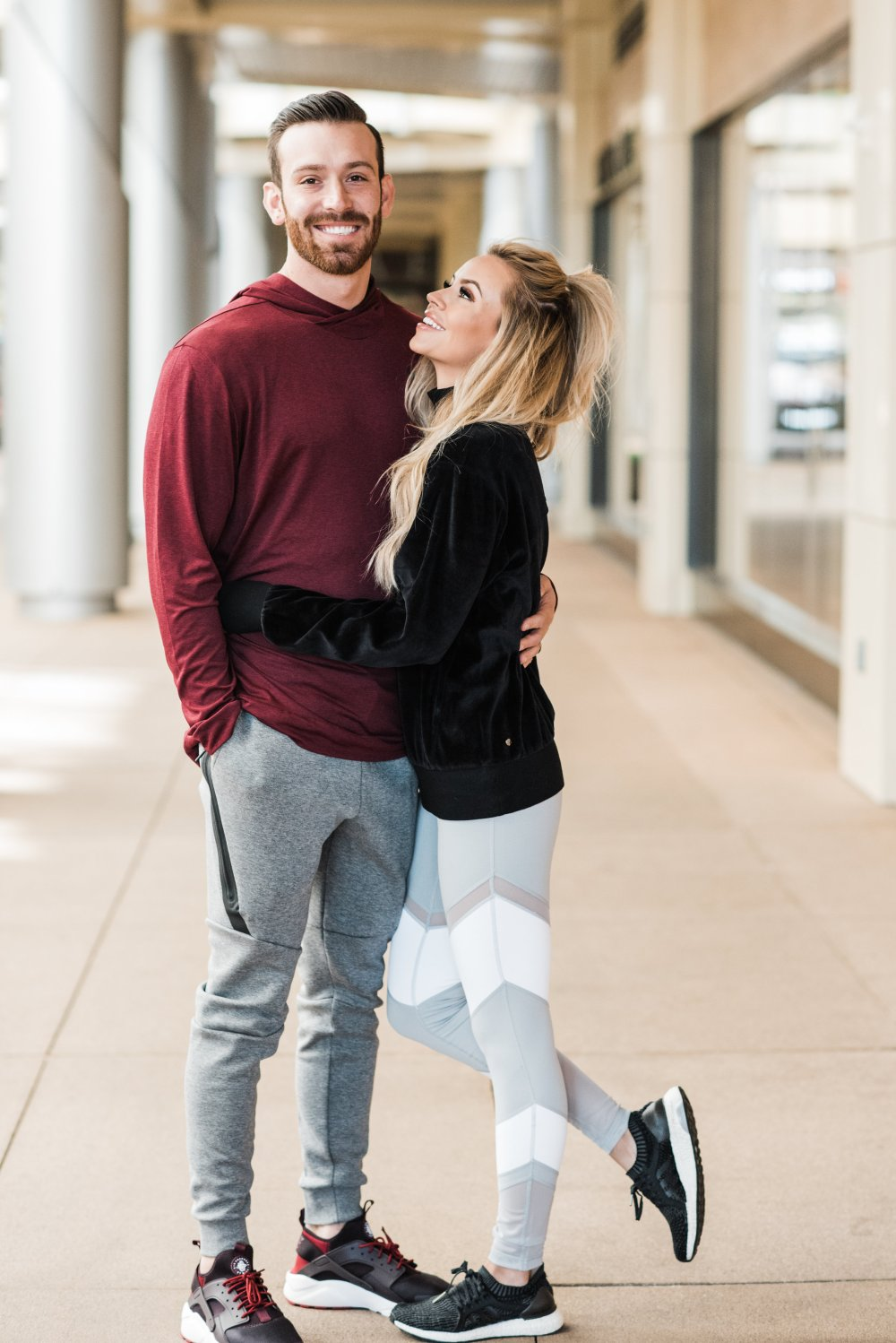 Some fitness motivation to help you stay active during the holidays! Our favorite workout clothes for men and women! Don't lose sight of your fitness goals during the holidays! #fitnessmotivation #fitnessfashion #holidayworkouts
