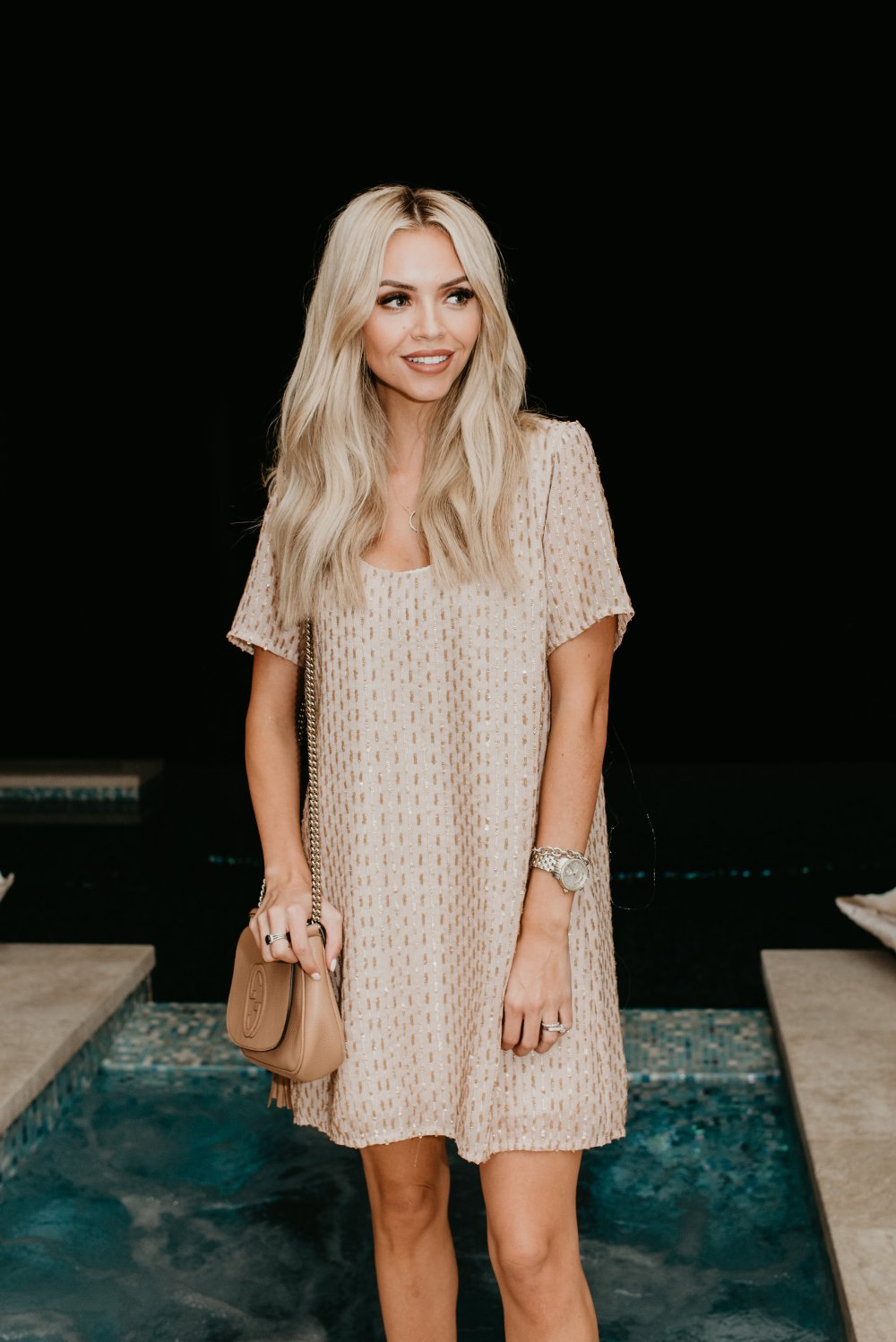 The perfect sequin dress for a night out! Whether its date night or girls night this dress is adorable! #trulydestiny #datenight #girlsnight #sequinoutfits #womensfashion #dressfashion