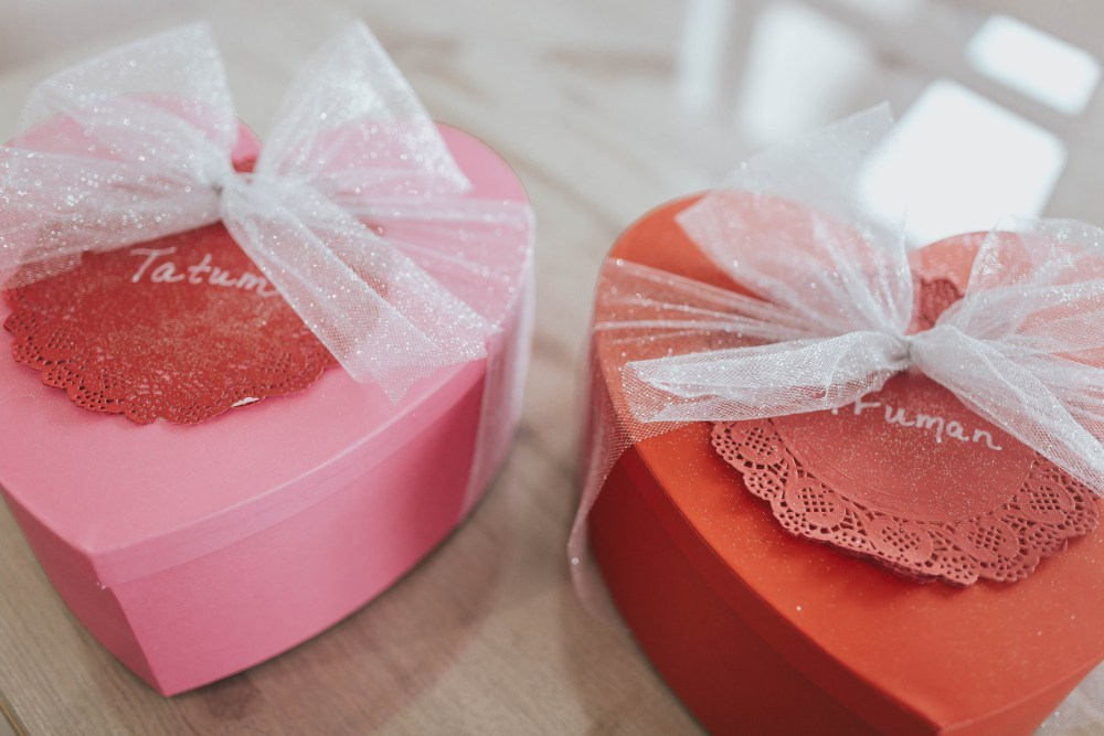 Pink and red heart boxes
