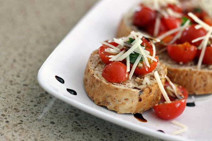 Healthy Bruschetta with Balsamic Glaze
