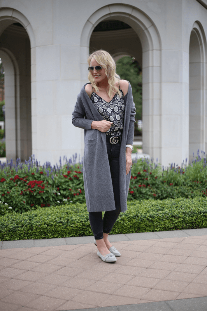 Dallas style blogger Truly Megan wearing Halogen Cashmere walking cardigan, snake print camisole, Gucci belt and Vionic Savannah flats.