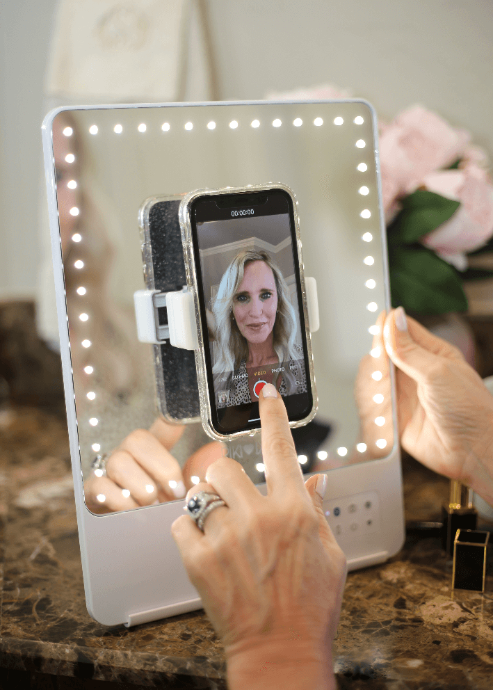 Bloggers love the Riki Skinny mirror for perfect handsfree videos and selfies with the phone clip and bluetooth capabilities.