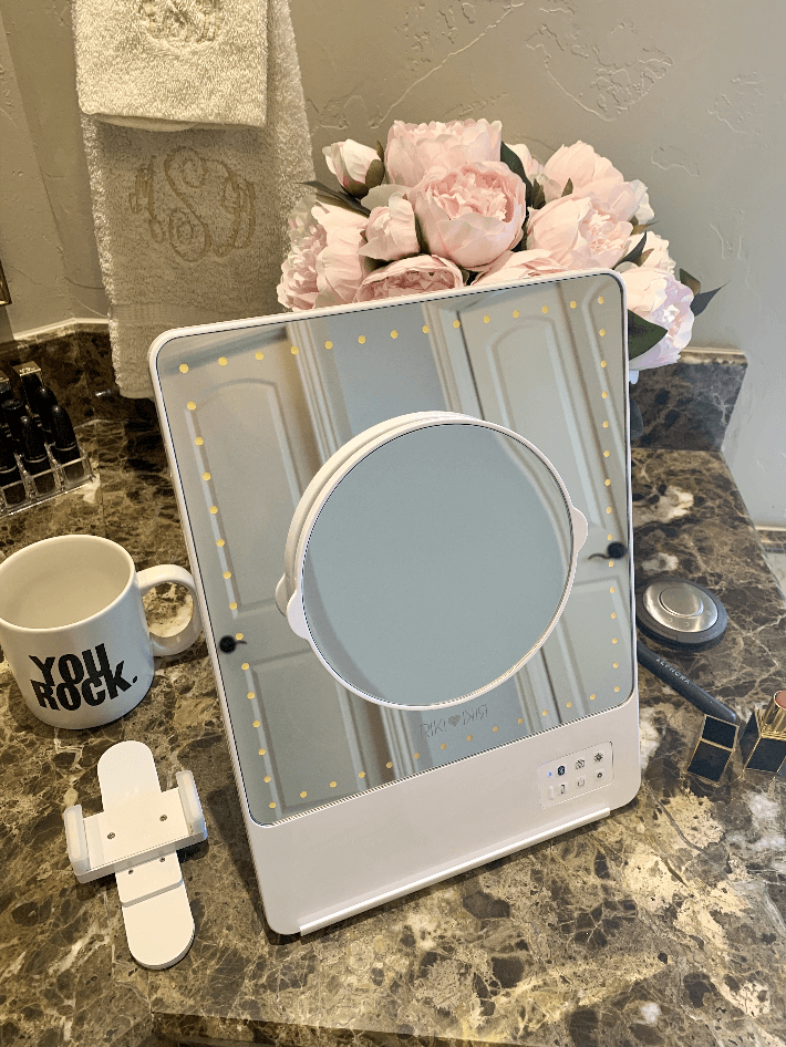 A feature of the Riki Skinny Mirror is the 3x magnifying attachment.