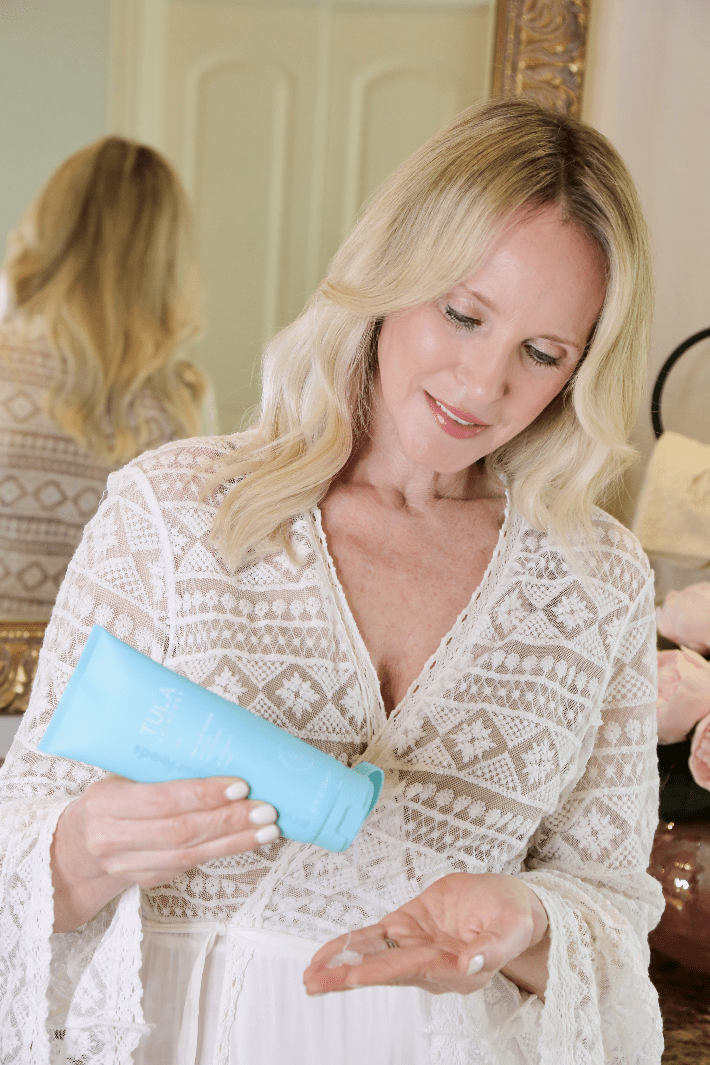 Dallas beauty blogger Truly Megan using Tula Skin Care Purifying Face Cleanser.