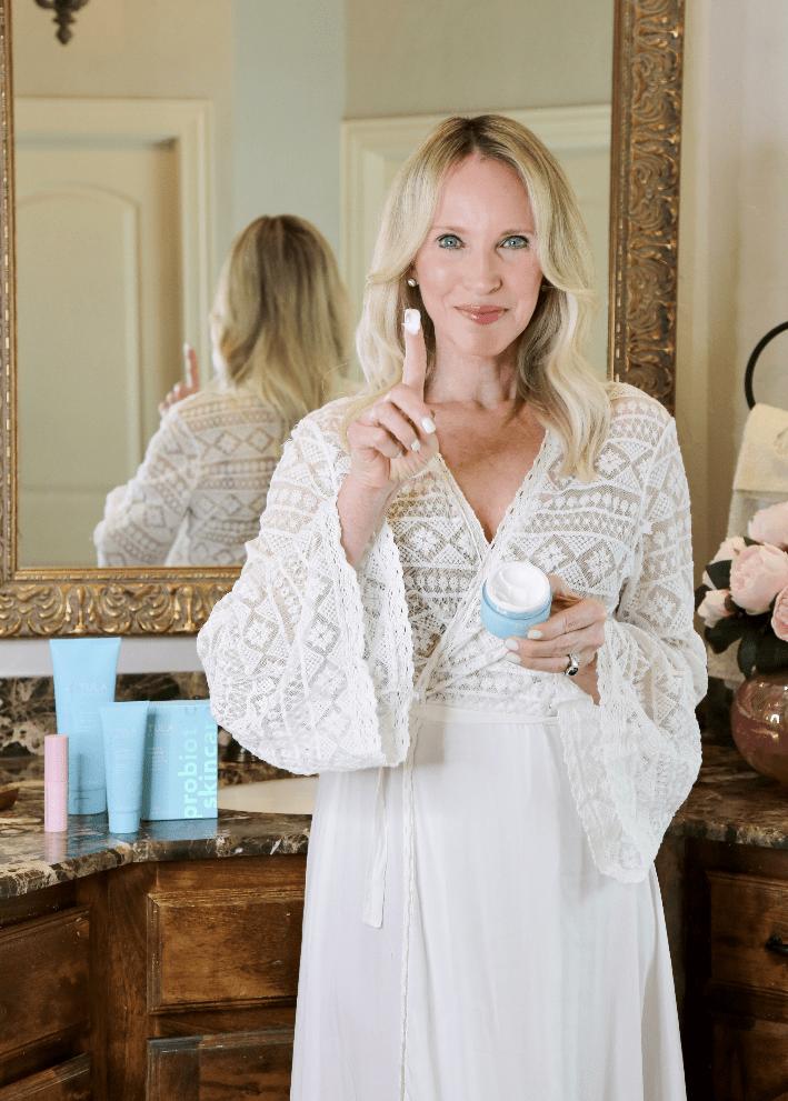 Dallas beauty blogger Truly Megan using Tula Skin Care Hydrating Day & Night Cream.