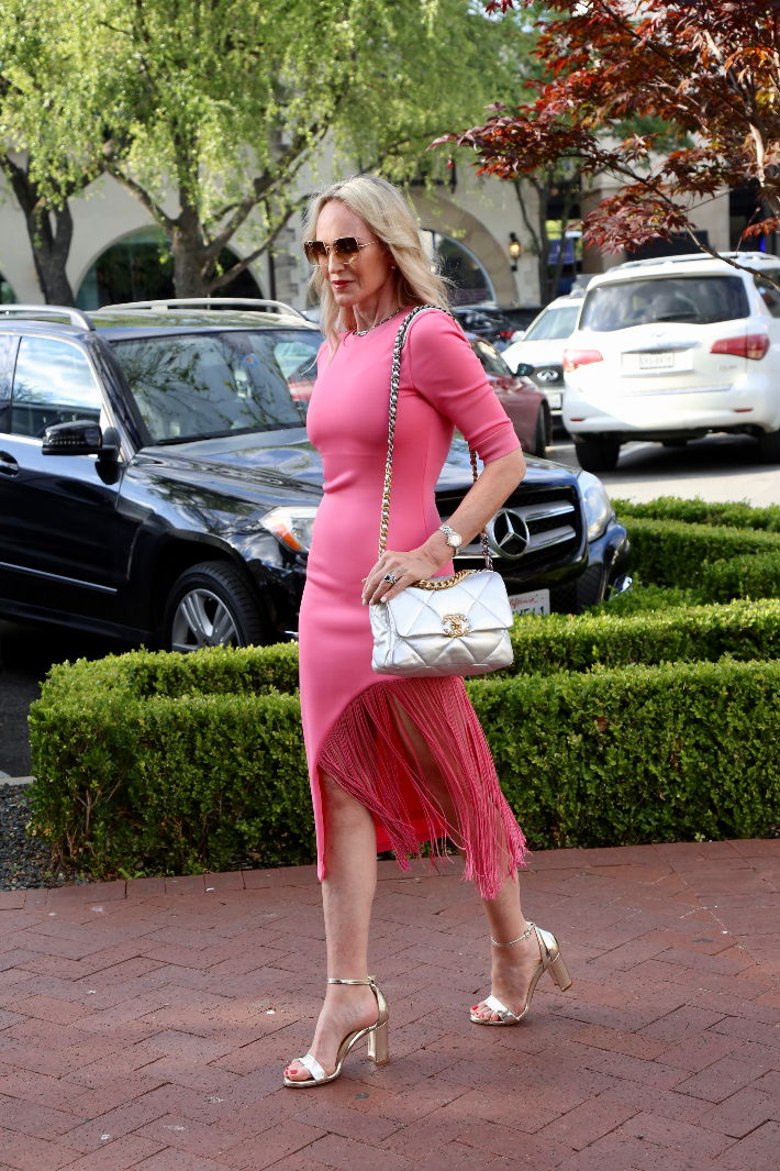 Dallas fashion blogger wearing Alice & Olivia pink Keanna dress, Sarah Flint perfect sandals in gold nappa and carrying Chanel 19 handbag in silver.